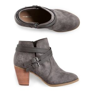 NWT Report Footwear Morrell buckled heeled booties